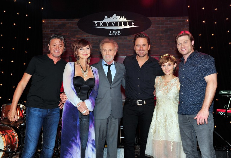 Charles Esten, Pam Tillis & More Play 'Skyville Live'