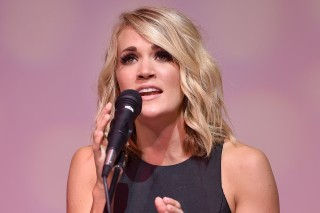 Carrie Underwood Celebrates Recent No.1 Singles