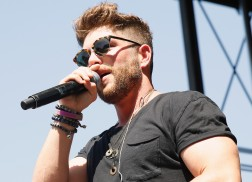 Chris Lane Notices the Change in Live Shows Since Success of 'Fix'