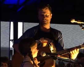 Dierks Bentley Performs with Daughter Evie