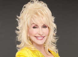 Dolly Parton To Be Given the Willie Nelson Lifetime Achievement Award at CMA Awards