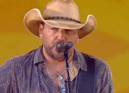 Jason Aldean Performs His Hits on 'Good Morning America'