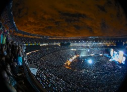Kenny Chesney Spreads the Love with 56,000+ at MetLife Stadium