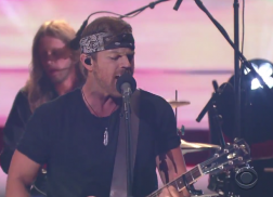 Kip Moore Stays 'Up All Night' To Perform 'Wild Ones' On 'The Late Show'