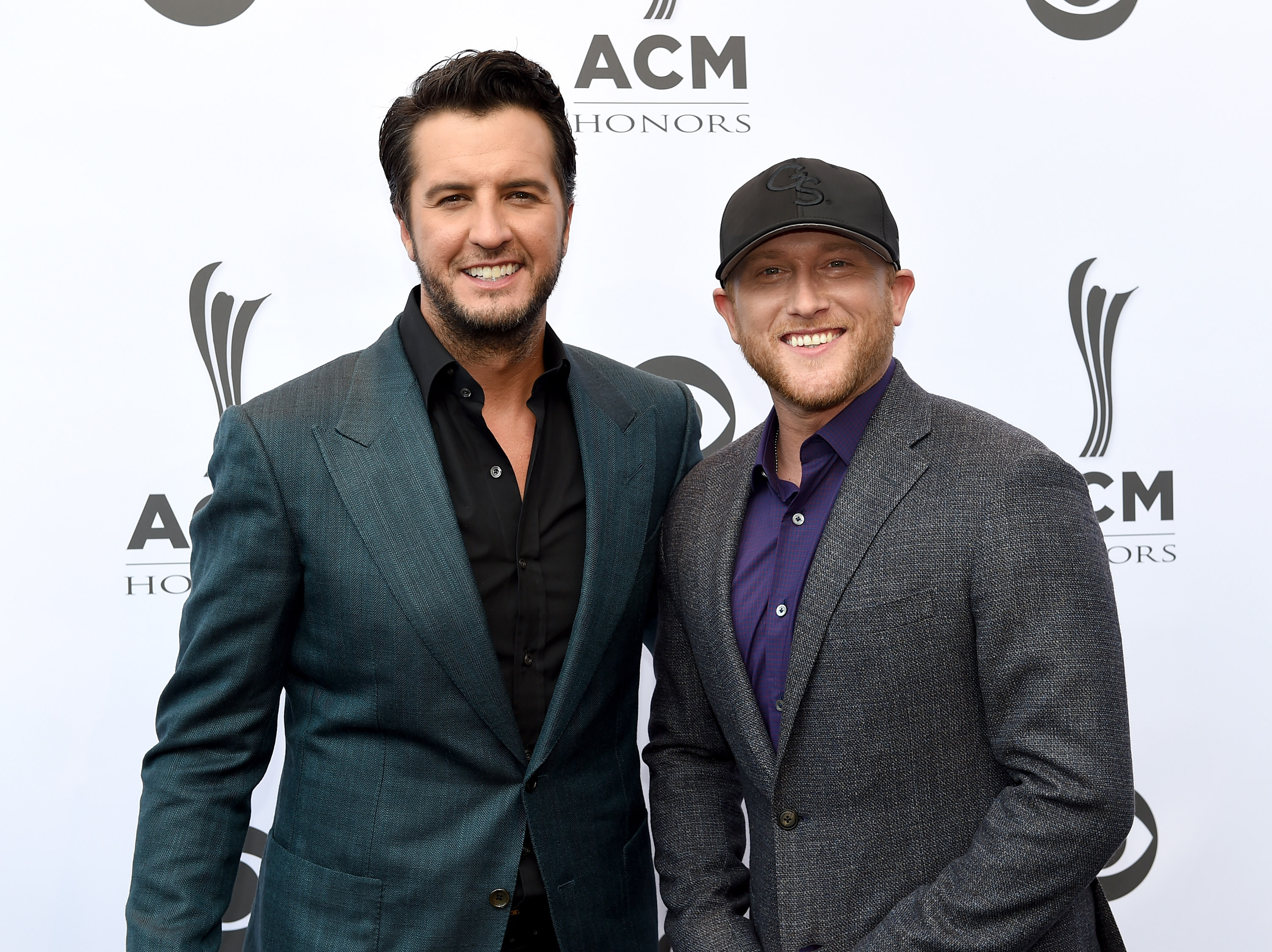 PHOTOS: 10th Annual ACM Honors – Red Carpet Arrivals