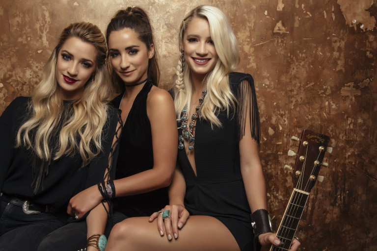Exclusive: Sister C Debuts 'Drinkin' Bout You' in 'Blue Room Sessions'