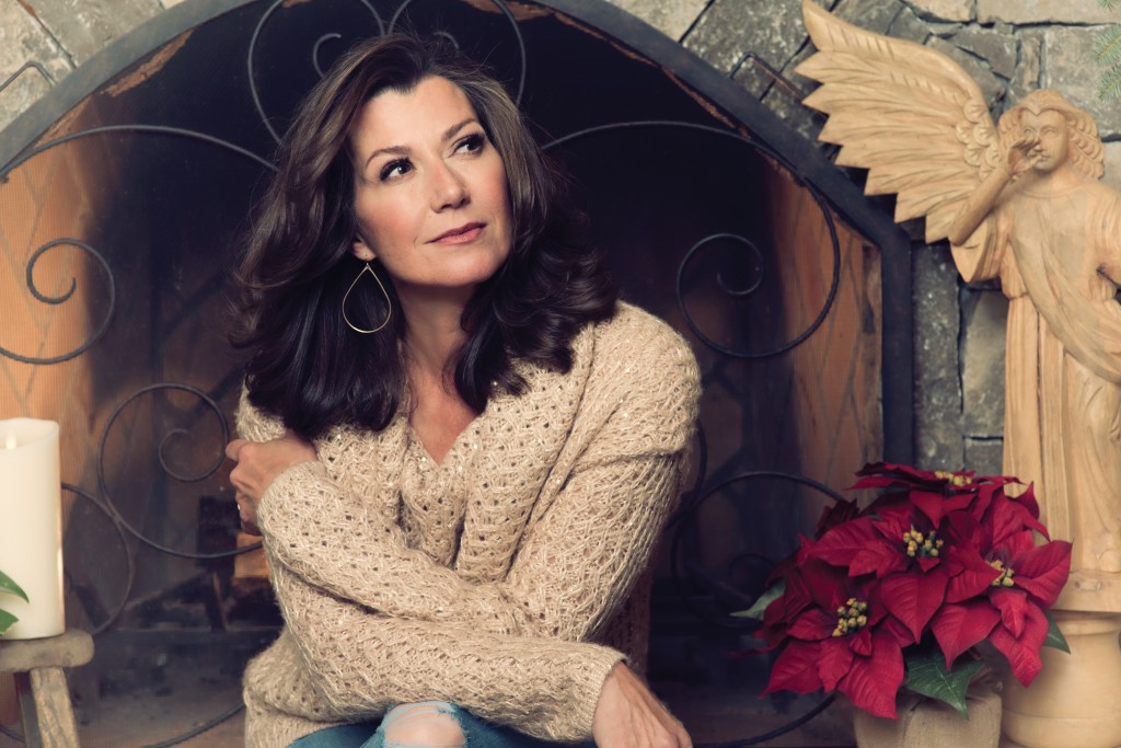 Album Review: Amy Grant's 'Tennessee Christmas' Sounds Like Nashville