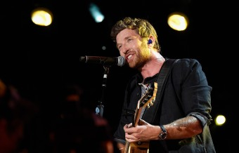 Brett Eldredge to Light Up Holiday Season with 'Glow'