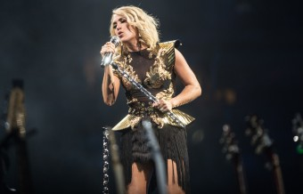 Carrie Underwood Rakes in 25th No. 1