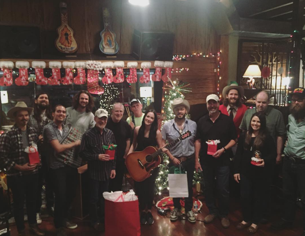 kacey musgraves reveals track list release date for a very kacey christmas sounds like nashville