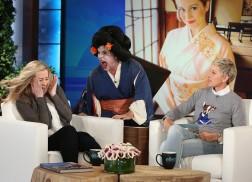 Kellie Pickler Gets Scared, Talks Trip to Japan on 'Ellen'