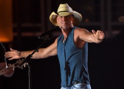 Kenny Chesney, Luke Bryan, Chris Stapleton to Headline 2017 Tortuga Music Festival