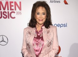 Loretta Lynn Exhibit to Open at Country Music Hall of Fame and Museum