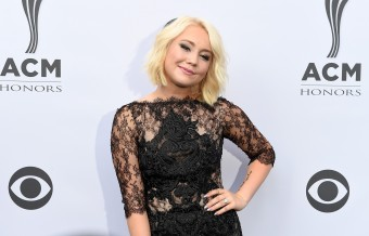 RaeLynn Announces Debut Album, 'WildHorse'