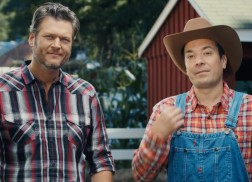 Blake Shelton Takes Jimmy Fallon to the Farm to Learn How to Milk Cows