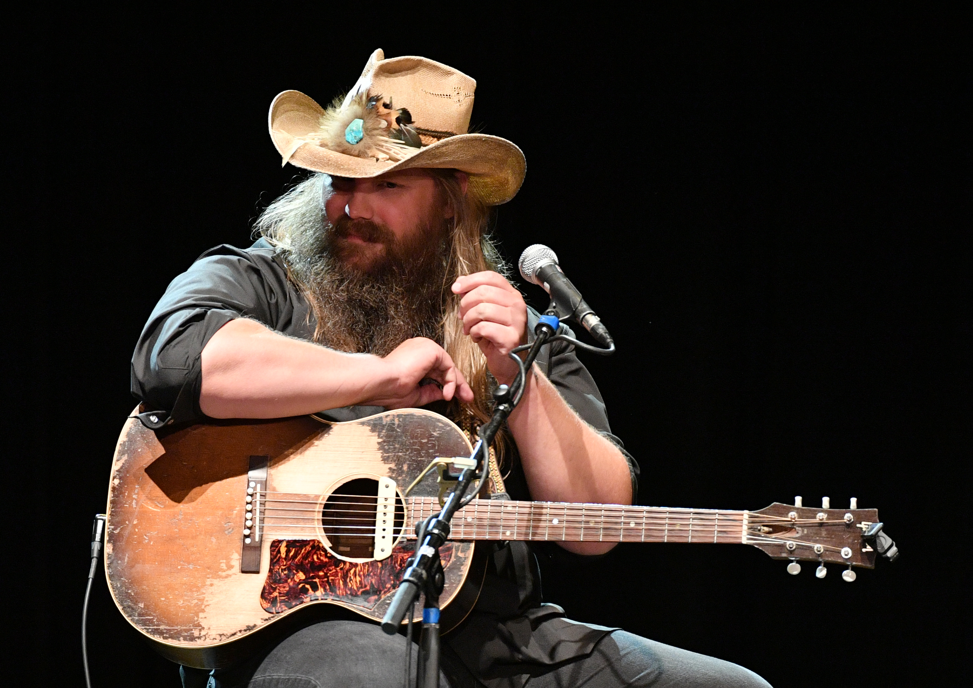 Chris Stapleton Plans to Keep Concerts 'Cozy' on Upcoming Tour