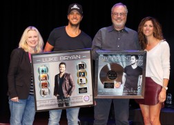 Luke Bryan Celebrates Seven No.1's at Country Music Hall of Fame