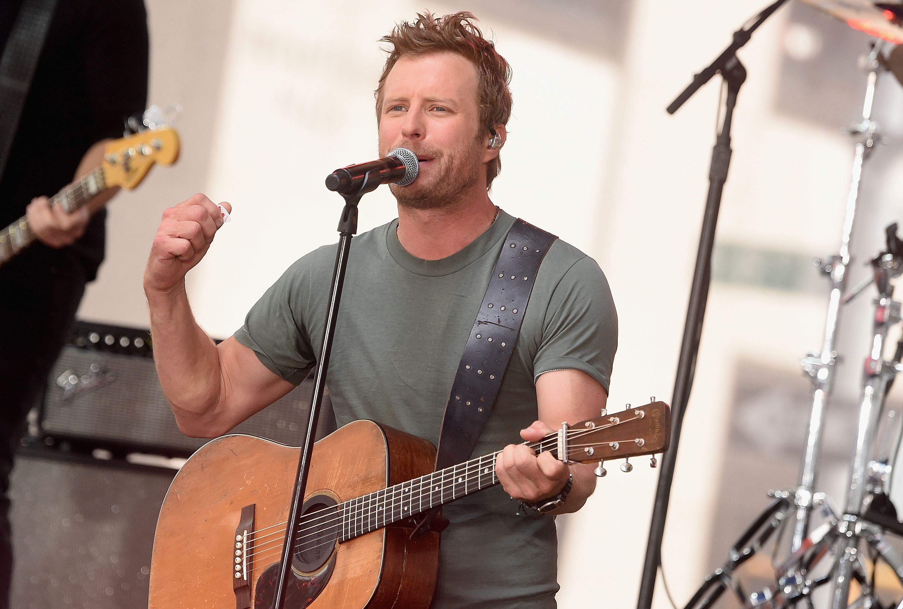 Dierks Bentley To Play Free Show Prior To 50th Annual Cma Awards Sounds Like Nashville