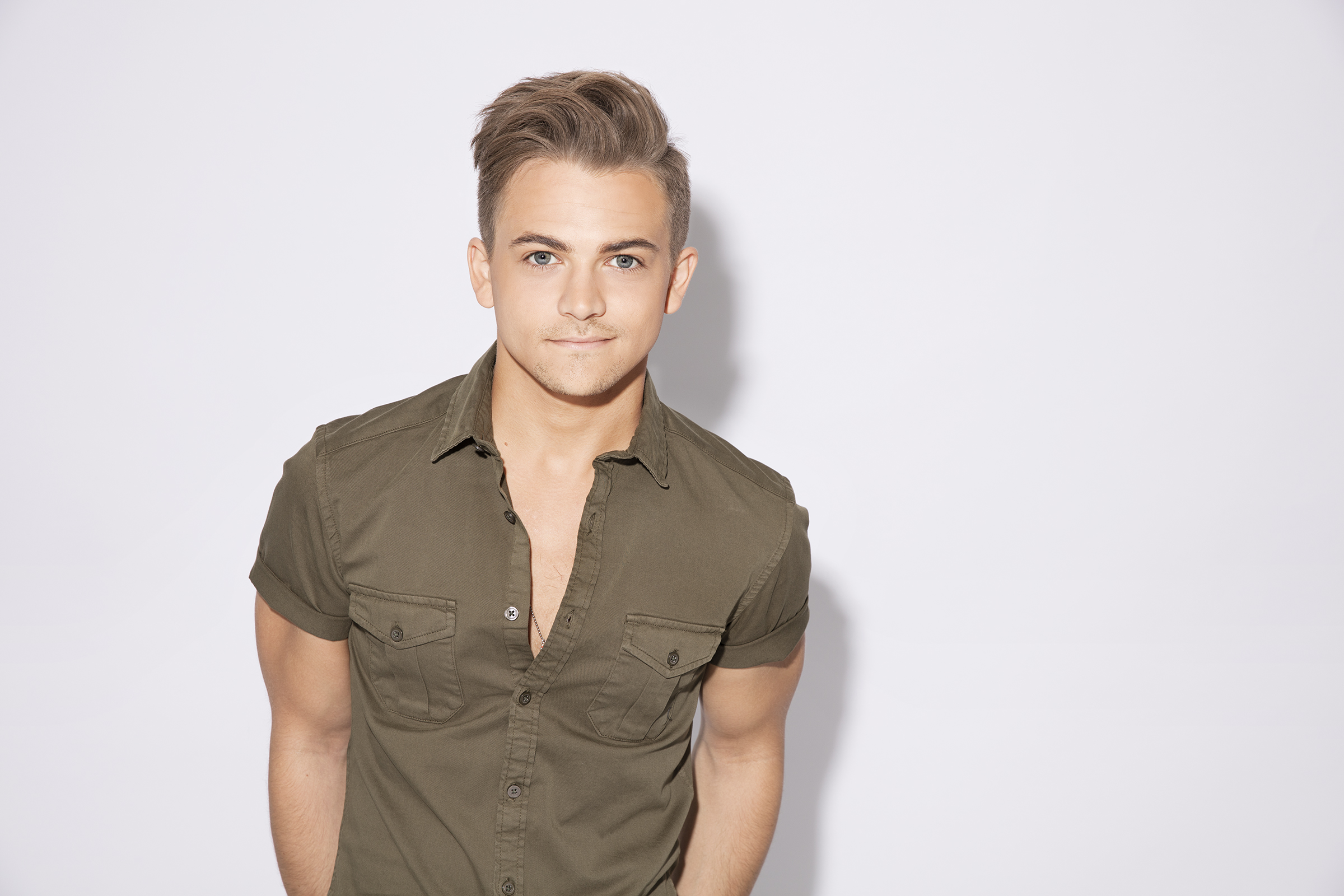 Hunter Hayes Doo-Wops with The Shadowboxers on New Single