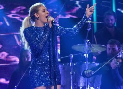 Kelsea Ballerini Loses Two Grandparents Within Two Days