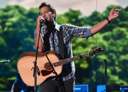 Luke Bryan Breaks His Clavicle Prior to First Farm Tour Show