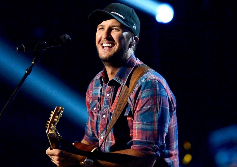 Luke Bryan to Perform National Anthem at Superbowl LI