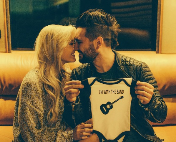 Shay Mooney and Fiancée Expecting First Child