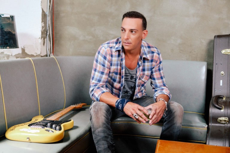 Trent Tomlinson Gets Personal on New Album, 'That's What's Working Right Now'