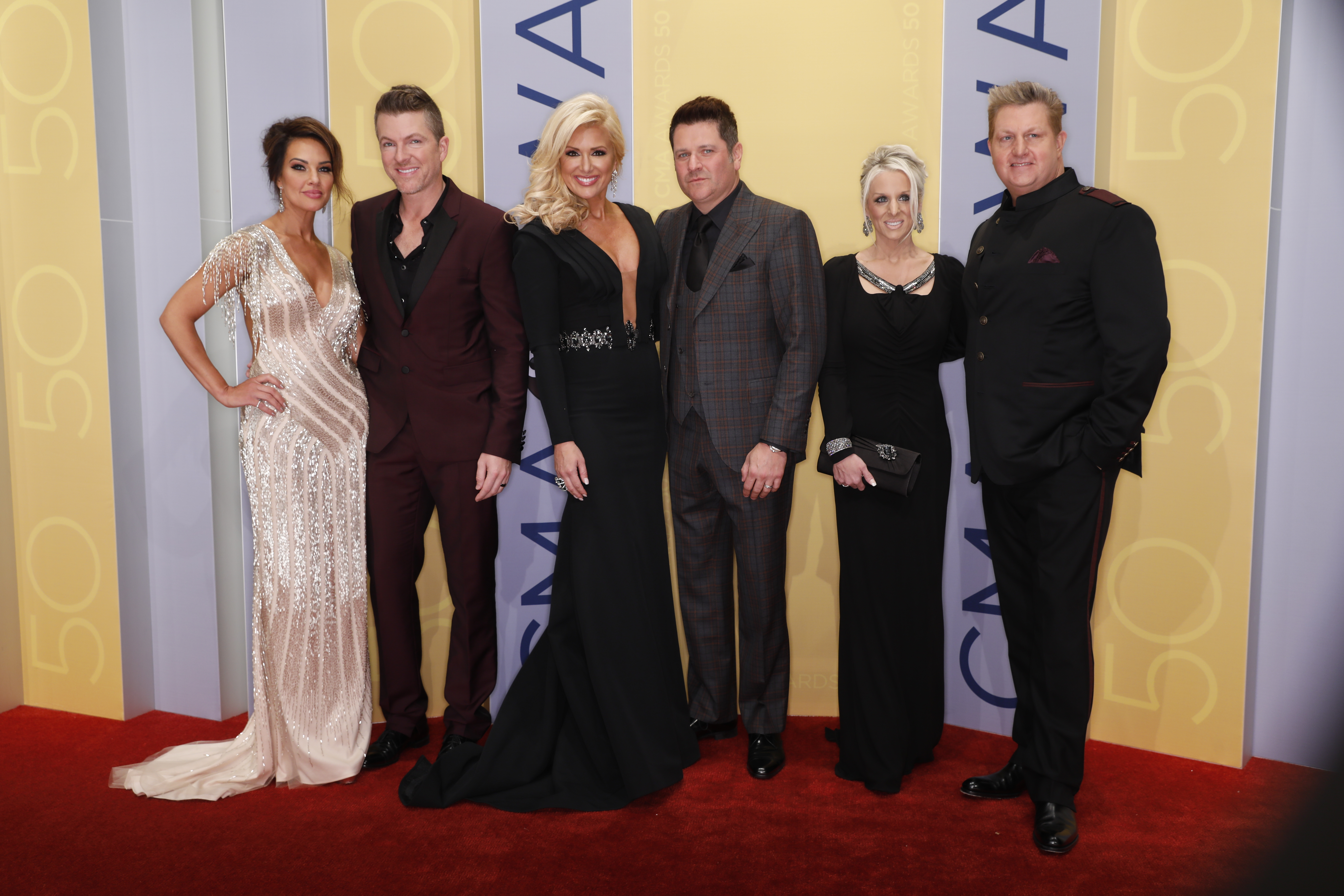 PHOTOS: 50th Annual CMA Awards – Red Carpet Arrivals | Sounds Like ...