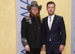Brothers Osborne Takes Prize for CMA Vocal Duo of the Year
