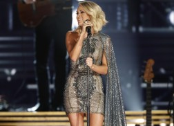 Carrie Underwood Wins Big at 2016 American Music Awards