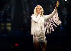 Carrie Underwood to Release Live Concert Film Documenting 'The Storyteller Tour'