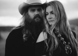 Chris and Morgane Stapleton Perform 'You Are My Sunshine' Together on 'The Tonight Show'
