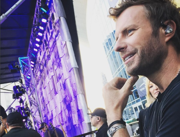 Dierks Bentley Performs in Downtown Nashville for Pre-CMA Celebration on 'GMA'