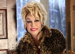 Dolly Parton Hopes 'Christmas of Many Colors: Circle of Love' Will Bring Families Together