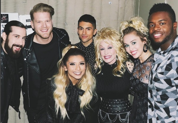 Dolly Parton, Miley Cyrus and Pentatonix Perform Stellar Rendition of 'Jolene'