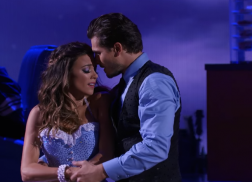 Jana Kramer Shines in Waltz and Team Dance on 'Dancing with the Stars'
