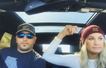 Jason Aldean & Wife Carpool Karaoke... Again