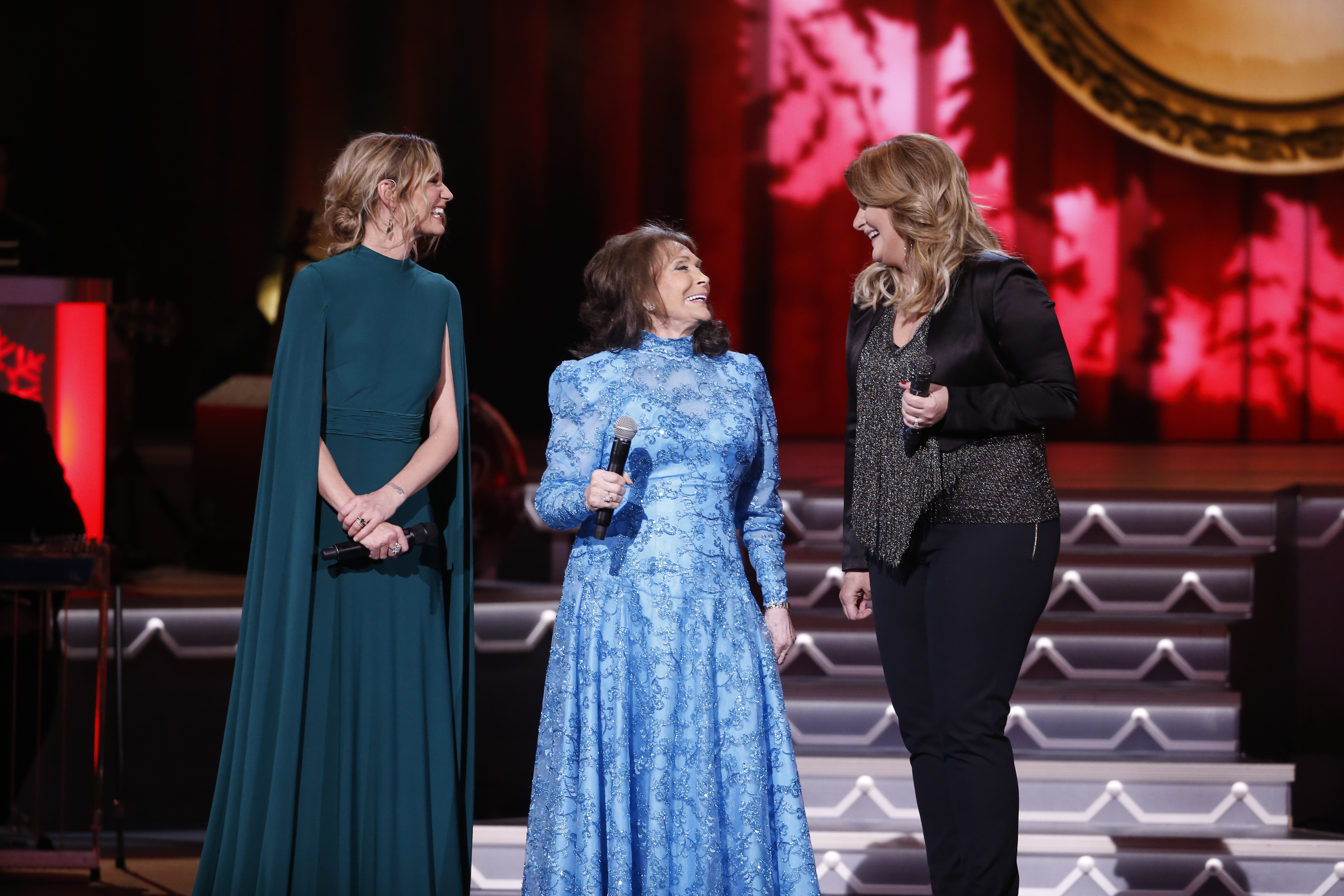 Jennifer Nettles, Trisha Yearwood and Loretta Lynn Join Forces For ...