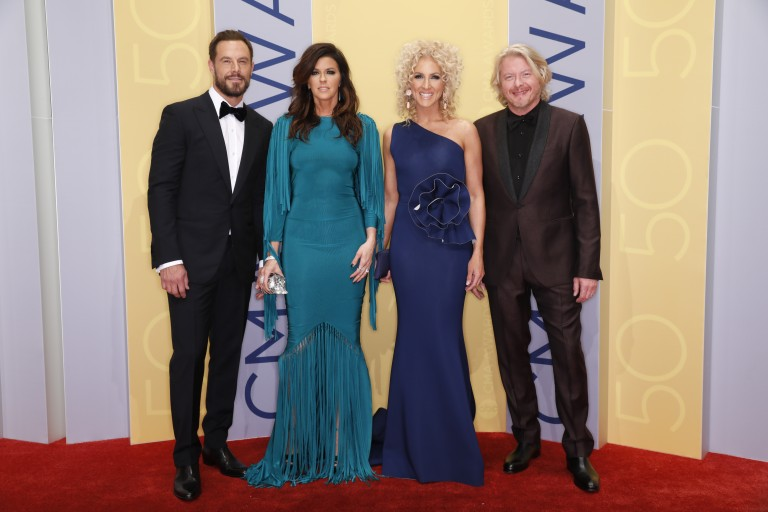 Little Big Town Wins CMA Vocal Group of the Year