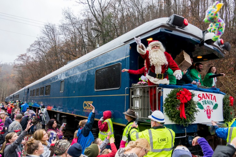 Darryl Worley Boards the Santa Train to Deliver Christmas Cheer