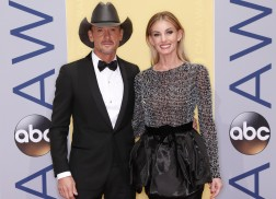 Faith Hill is Recovering From Foot Surgery, so Tim McGraw Made Her Chicken and Dumplings