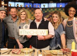 Trisha Yearwood Makes Her Signature Turkey and Dressing Casserole on 'The Chew'