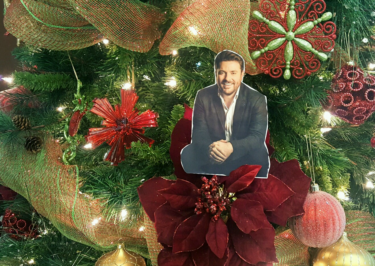 Download Flat Chris Young  + Enter to Win a Signed Copy of 'It Must Be Christmas'