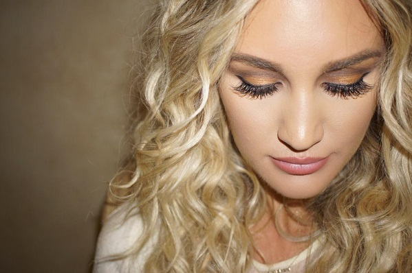 Jason Aldean's Wife, Brittany Layne, Shares Everyday Makeup Tips