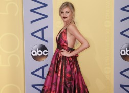 Kelsea Ballerini Shares 'Embarrassing' Family Christmas Tradition