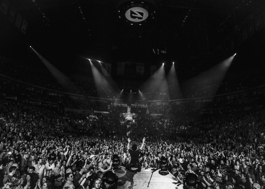 Dierks Bentley Blazes Through Sold-Out Headlining Show in Nashville