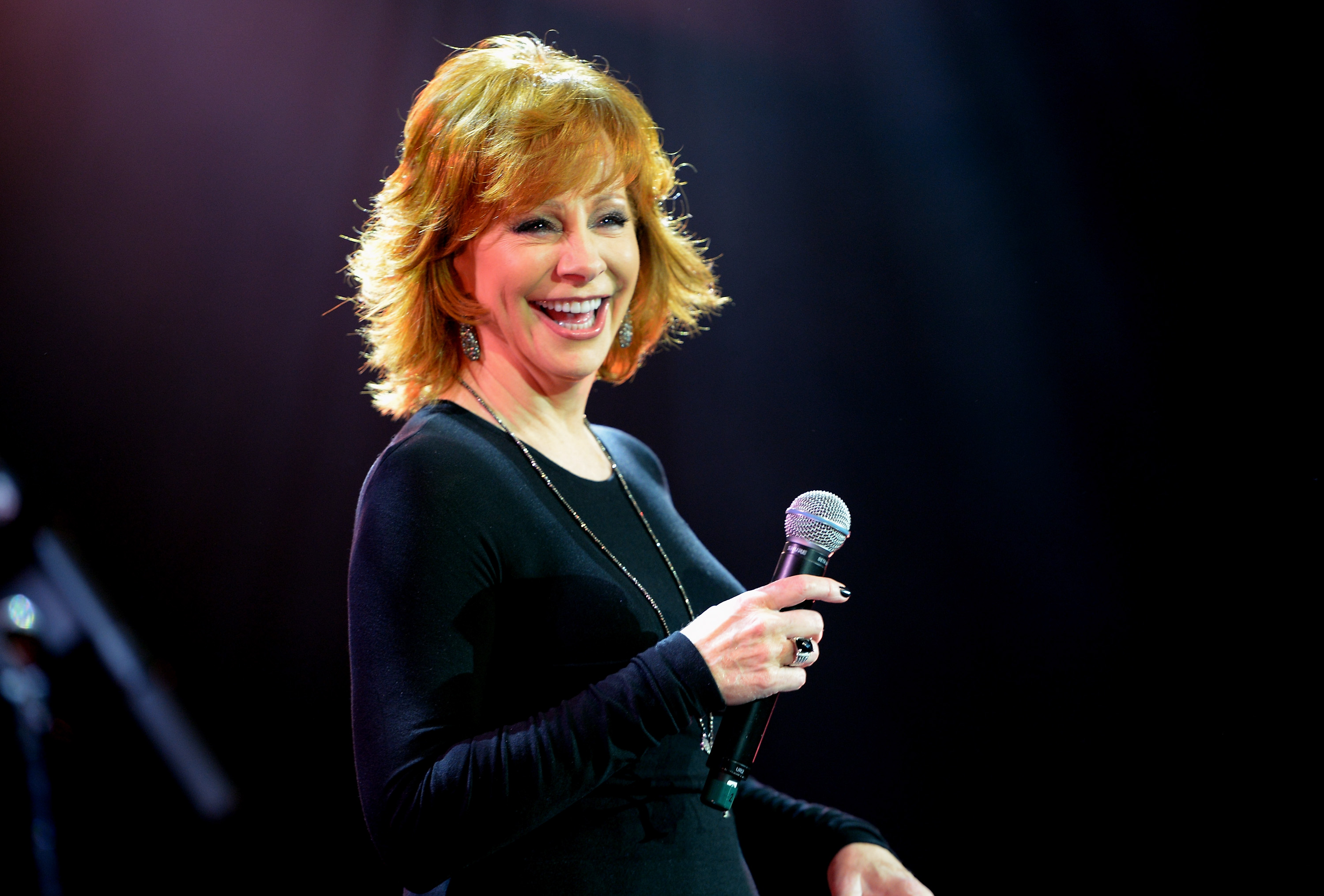 ABC Greenlights New Drama Series Pilot Starring Reba