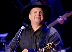 Garth Brooks Explains Why He's Not Performing at Donald Trump's Inauguration