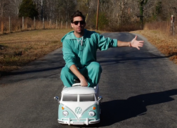 Jake Owen and Ryan Hurd Release Hilarious 'Seafoam Green' Spoof Video